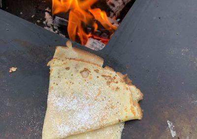 Crepes auf einem Plancha-Grill